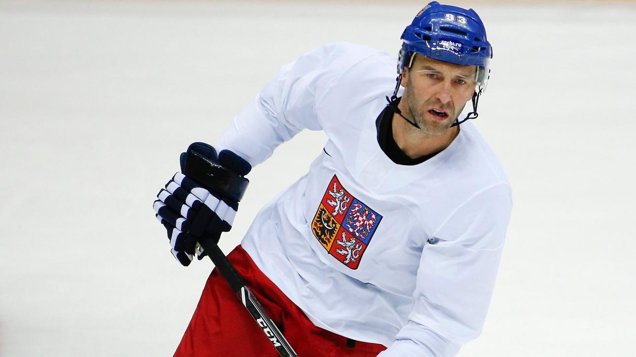 l 39 ancien joueur de la lnh petr nedved a annonc sa retraite du hockey professionnel. Black Bedroom Furniture Sets. Home Design Ideas
