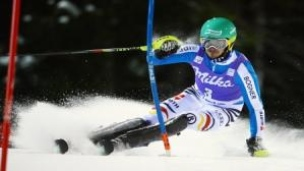 Neureuther mate à la série de Hirscher