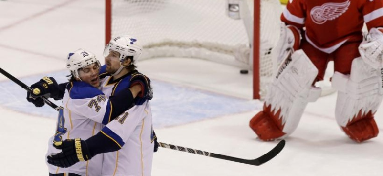 Blues 4 - Red Wings 3 (Prol.)