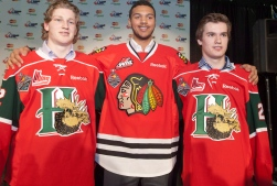 Nathan MacKinnon, Seth Jones et Jonathan Drouin