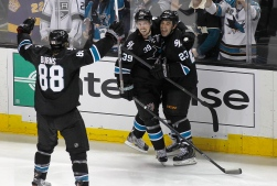 Logan Couture, Scott Gomez et Brent Burns